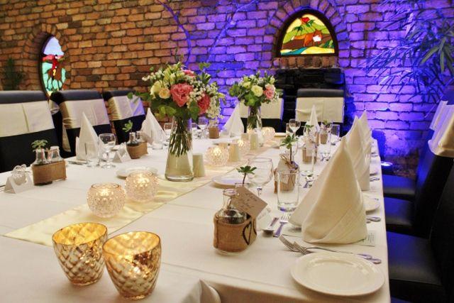 #BridalTable at the #AdelaideInn, #NorthAdelaide.  #TynteStFlowers #pretty #AdelaideWeddings #SouthAustralia #AustraliaWeddings