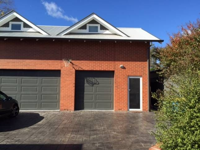 Wagga Short Term Accom- The Loft, a Wagga Wagga Apartment | Stayz