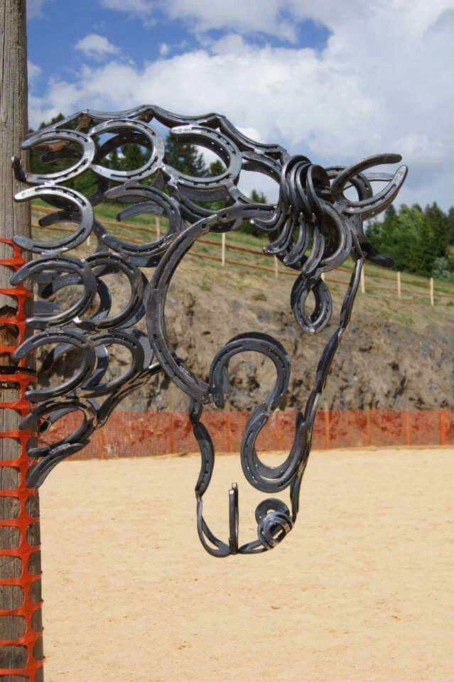 Horse head made out of horseshoes this is rely cool!