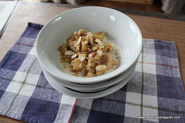 Apple & Date Porridge