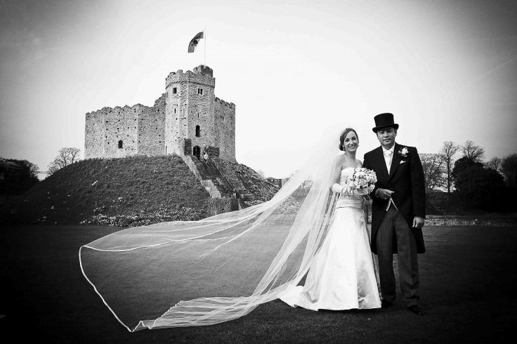 Cardiff Castle Wedding Photograph, anoth stunning shot from Neil Mansfield