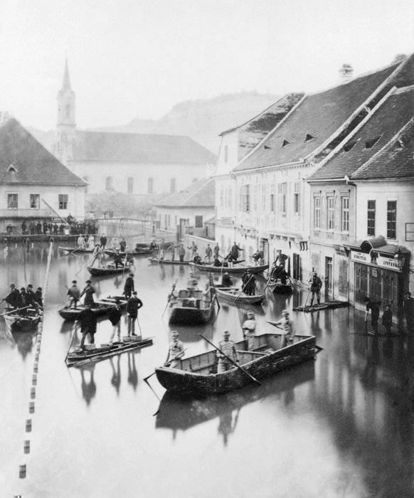 © Lovich Károly, 1876, Flood in Budapest -- The flood covered Buda Castle / Pottery (now Szilágyi Dezső Square).