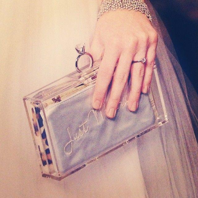 Charlotte Olimpia キュートなデザインに一目惚れ♡おしゃれブランド『シャーロットオリンピア』のアイテム特集*にて紹介している画像