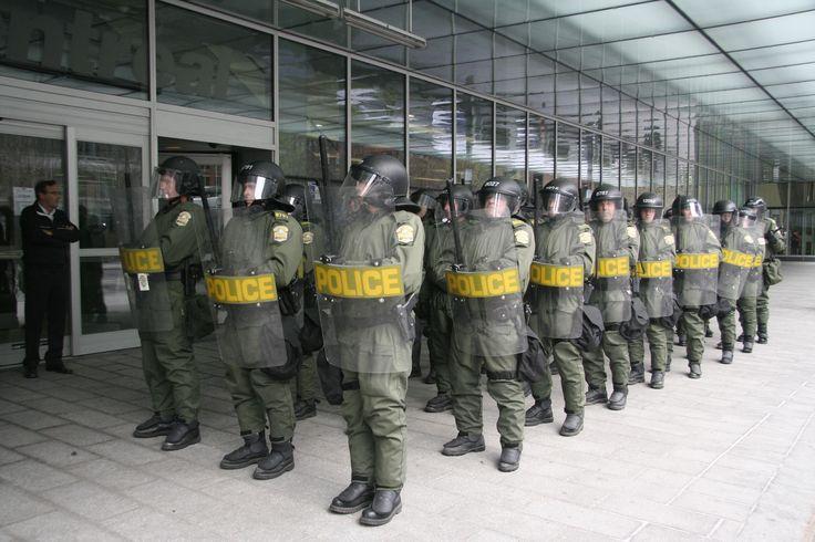 Sûreté_du_Québec_riot_police.jpg (3456×2304)