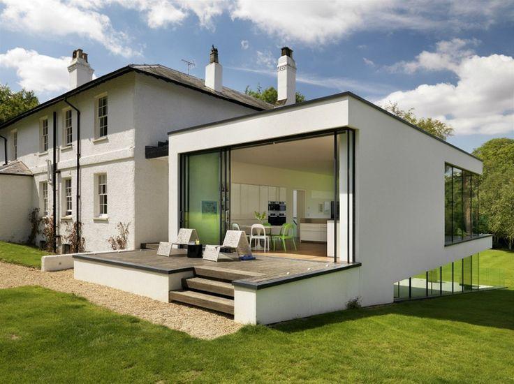 V anglickom mestečku Guildford, hodinu jazdy z Londýna, stojí pamiatkovo chránený dom.