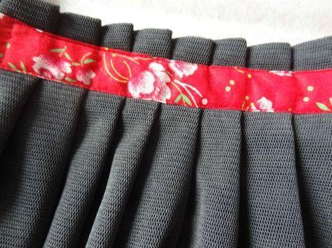 tuto de jupe à plis maintenus par ruban