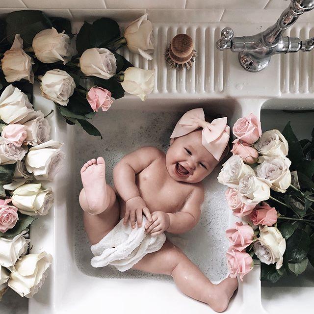 Cute Baby Sink Bath Flowers Roses Love Baby Photoshoot Baby Photography Baby Photos Baby Photoshoot