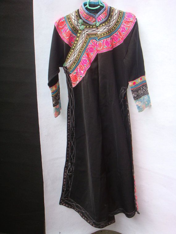 vintage Chinese silk embroidered floral black robe