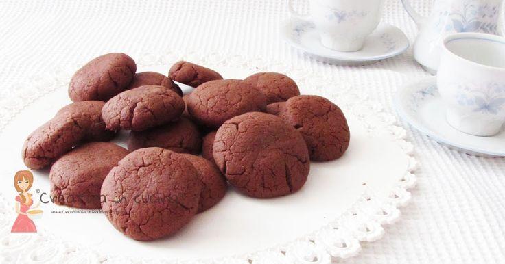 Nutellini, dolcetti facili da preparare ma uno tira l'altro!! Per la ricetta >> http://creativaincucina.blogspot.it/2016/05/nutellini.html Nutellini, cookies are easy to prepare but one leads to another !! For the recipe >> http://creativaincucina.blogspot.it/2016/05/nutellini.html