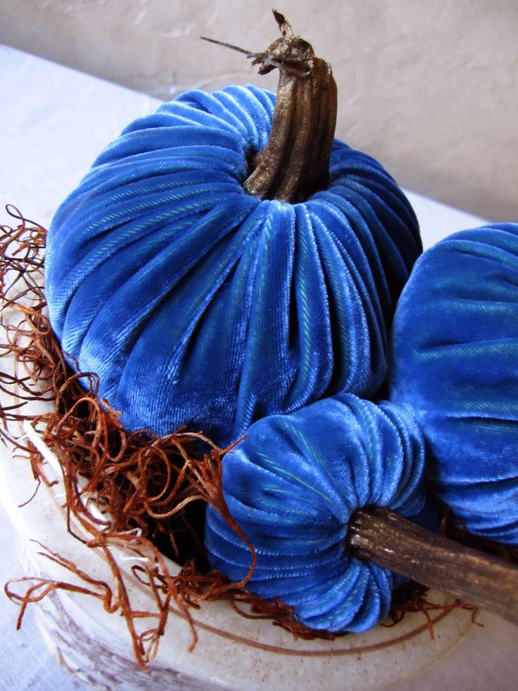 Blue Velvet Pumpkins...what a beautiful idea....Cobalt Velvet, Crafts Ideas, Fall Decor, Beautiful Blue, Velvet Pumpkin, Cobalt Blue, Beautiful Ideas, Blue Velvety, Blue Pumpkin