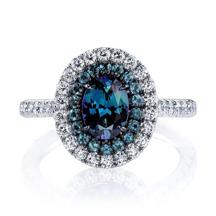 Omi Prive - Alexandrite and diamond ring