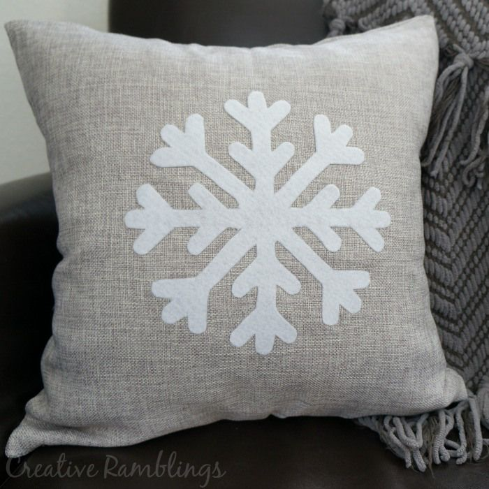 Easy no sew winter snowflake pillow  DIY Home Decor Ideas
