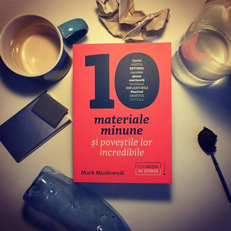 """Bill Gates: """"După ce vei citi cartea lui Mark Miodownik vei vedea cu alți ochi obiectele care se află în jurul tău.""""  De la ceașca de ceai la motorul cu reacție, de la cipul din siliciu la simpla agrafă de hârtie, ori de la plasticul din echipamentele noastre la elasticul din lenjeria intimă, viețile noastre sunt dominate de materiale minune. #stuffmatters #romanianedition #editurapublica #colectiadestiinta"""