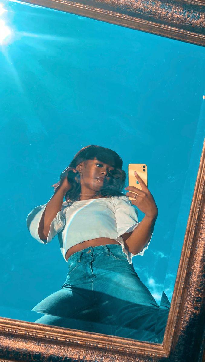 Outside Mirror Selfie Portrait Photography Poses Girl Photography Poses Instagram Photo Inspiration