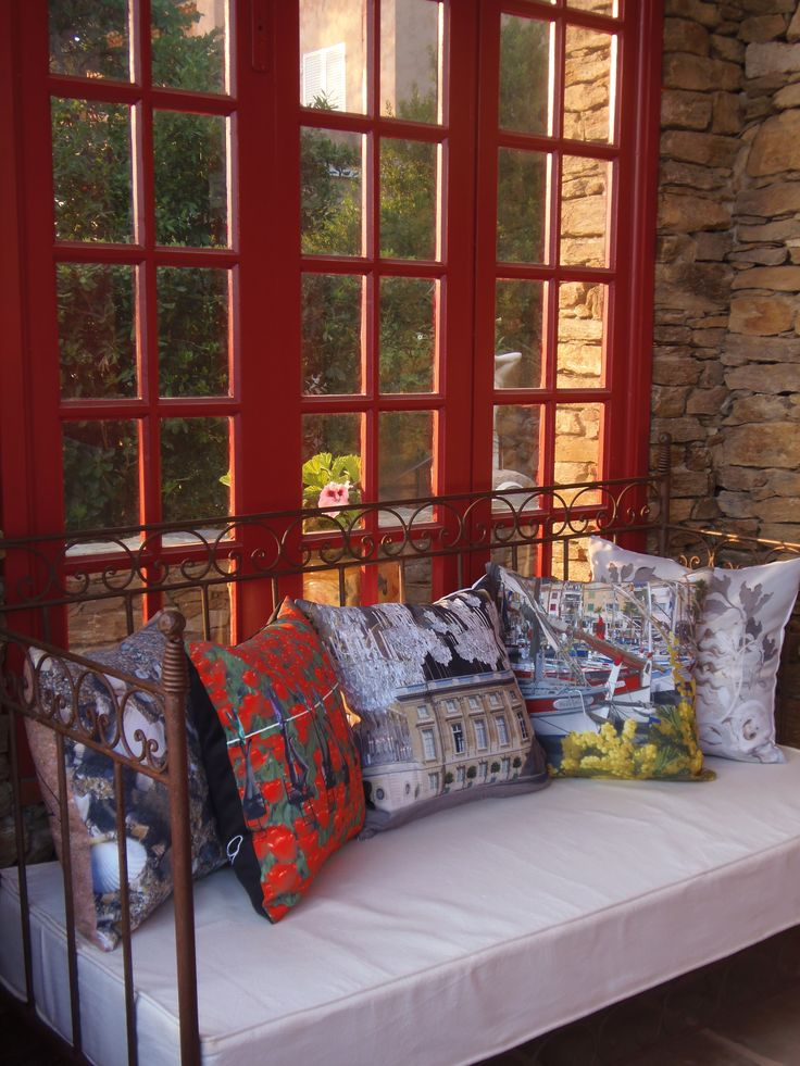 Photoshoot of the cushion collection in South of France! #pillows #photoshoot #art