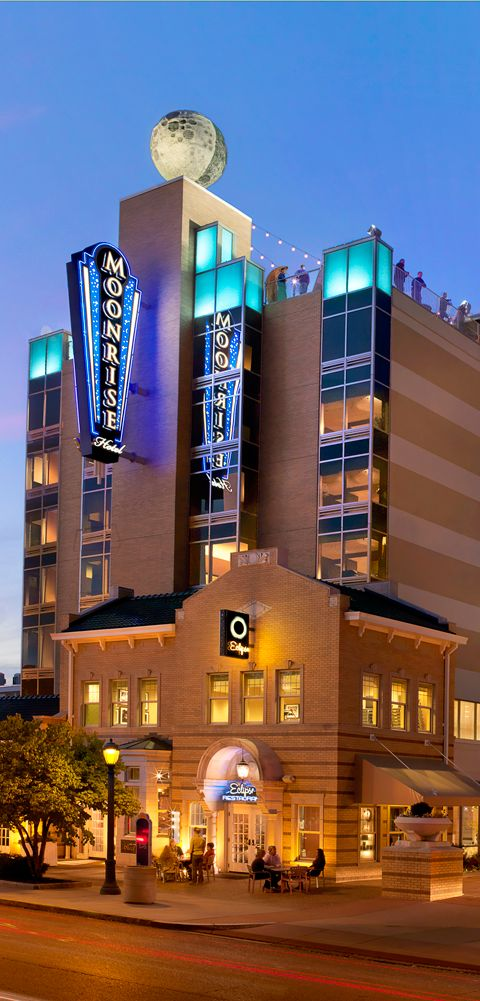 The Moonrise Hotel St Louis Premier Boutique Is Conveniently Located On