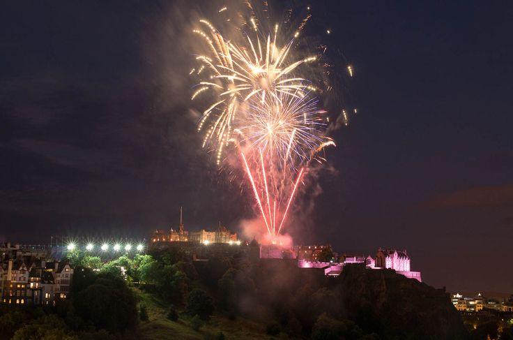 Because this is what happens on an average summer evening.   53 Reasons Living In Edinburgh Ruins You For Life