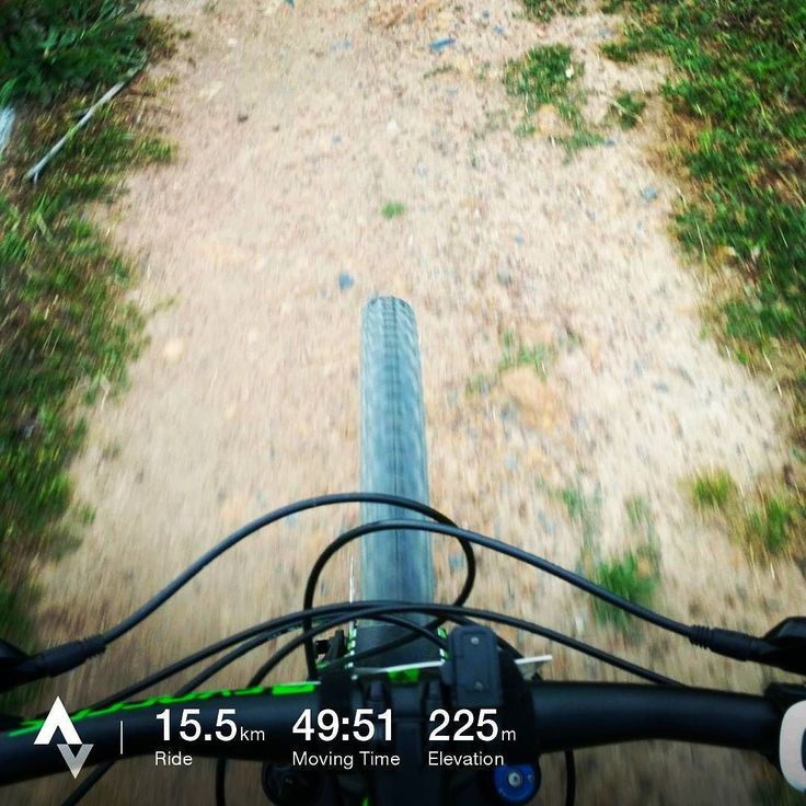 Learning the nuances of riding a #29er with my #scottscale960. There are going to be some fun days ahead on the #helderbergtrails. . . . . .  #cycling #ridelife #stravaphoto #nature #fun #southafrica #tomtom #tomtomadventurer #fitness #trails #outdoorsports #mtb #mtbsouthafrica #cyclinglife #cyclingphotos #mtblife #somersetwest #scottmtb #scottmtbriders #scott - http://bit.ly/remejlh