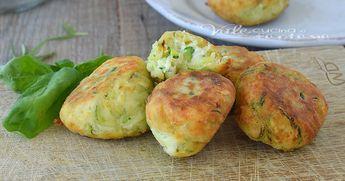 Crocchette di zucchine e philadelphia, facili,velocissime e gustose, una ricetta adatta sia come secondo piatto che come antipasto e aperitivo.