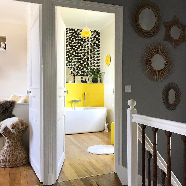 les 25 meilleures id es de la cat gorie salle de bains des ann es 50 sur pinterest maison des. Black Bedroom Furniture Sets. Home Design Ideas
