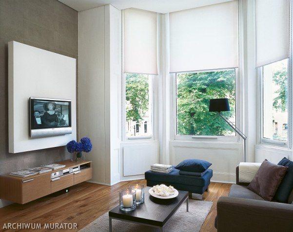 Małe mieszkanie w Londynie było projektowane dla pary (projekt wnętrz Patrycja Zaczyńska). Ze względu na małą powierzchnię każdy metr musiał być maksymalnie wykorzystany. Ozdobą wnętrza są czarno-białe zdjęcia różnych miejsc Nowego Jorku, głównie Manhattanu, zrobione przez właścicielkę. Fotografie nadają klimat wnętrzu.