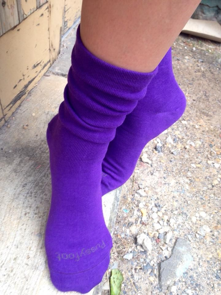 Look no further - fabulous colourful bamboo non tight socks for men and women http://www.pussyfootsocks.com.au/bamboo-socks.html