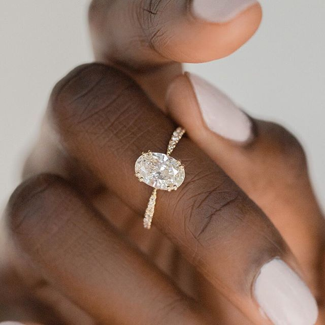 New Oval Nova Ring Featuring A 1 2ct White Diamond With A Delicate Pinched Diamond Ban Best Engagement Rings Dream Engagement Rings Diamond Engagement Ring Set