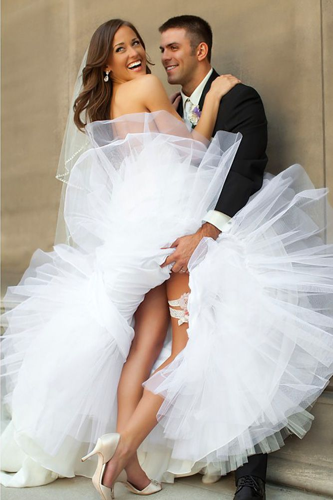 Sexy Wedding Pictures For Unforgeatable Memories ❤ See more: http://www.weddingforward.com/sexy-wedding-pictures/ #weddings