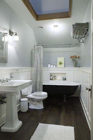 .Love love, especially with the sun light!! Would put in a garden or soaker tub instead of claw foot tub...