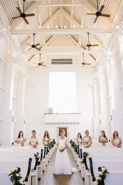 50 Must Have Photos With Your Bridesmaids The Guest The
