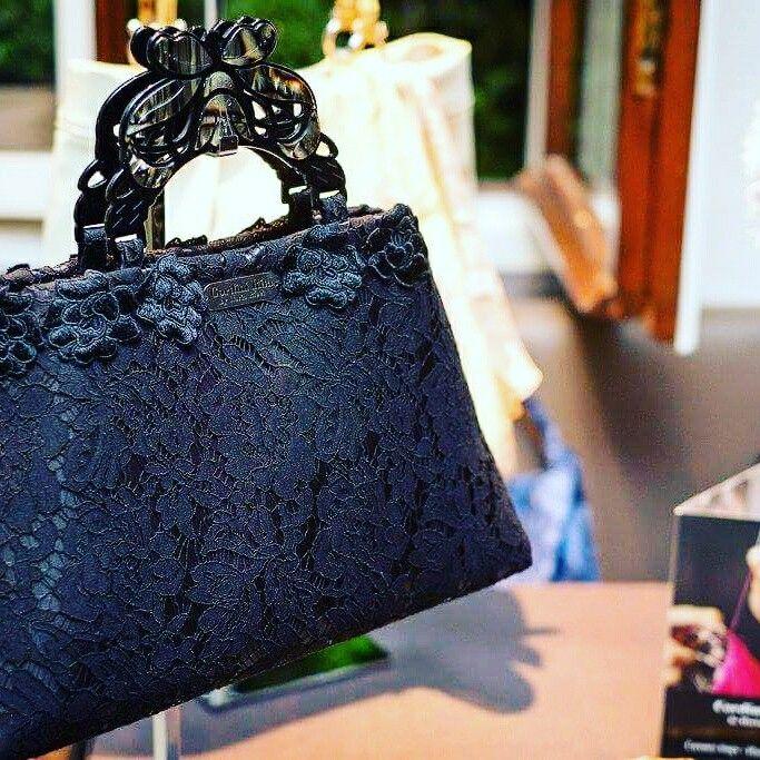 Antea, the essence of beauty #handbags #madeinitaly #fashion #borse #accessori