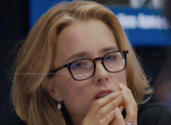 """Téa Leoni Fan: Dress like Téa Leoni in """"Madam Secretary"""""""