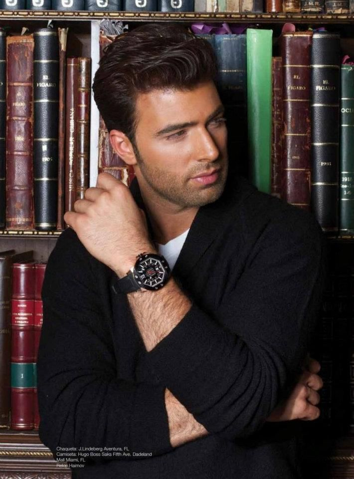 Jencarlos Canela + books= PERFECT