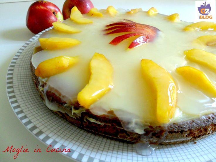 dopo la ricetta di ieri della crema pasticcera al cioccolato bianco,oggi vi propongo una torta fresca accompagnata da frutta stagionale, le pesche e dello yogurt.