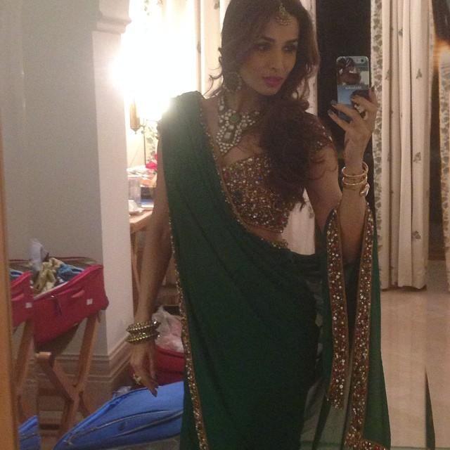Malaika Arora Khan ready for the pheras at Salman Khan's Sis Arpita's Wedding w/ Aayush Sharma at @TajHotels' Falaknuma Palace, Hyderabad, Nov 18