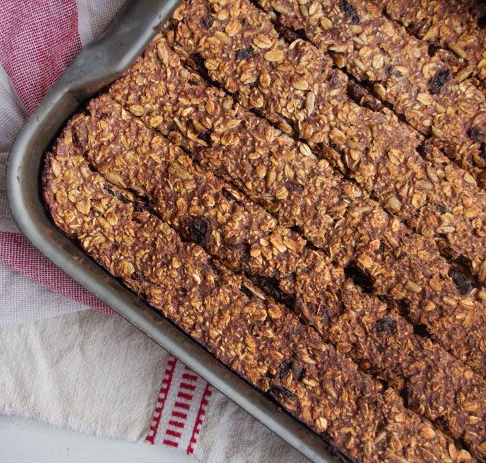 Date and Oat Bars | Deliciously Ella