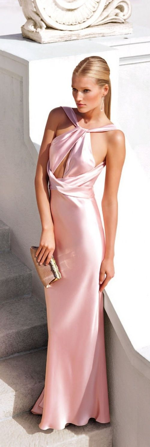 Model Toni Garrn in a luxury velvet pink dress