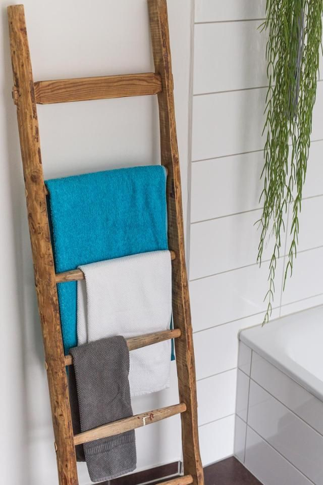 Dachbodenfund eine alte leiter wird zum handtuchha badezimmer pinterest alte leiter - Badezimmer leiter ...