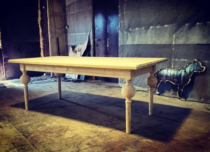 #лабораторияхендмейд#работа#дерево#вмастерской#издерева#деревянный#стол#встоловой#обеденныйстол#накухне#дома#вквадрате#классика#wood#wooden#woodwork#homedecor#inhouse#table de laboratory_hand_made