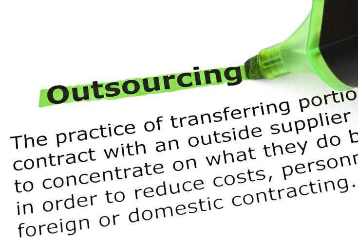 Oftmals fühlt man sich richtig erschlagen von den Aufgaben die man alle erledigen muss. Outsourcing bietet da eine super Möglichkeit verschiedene Aufgaben auszulagern um den Kopf frei zu kriegen und sich den Dingen zu widmen, in denen man selbst am besten ist.