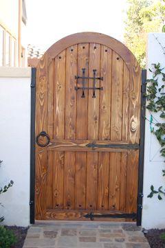 Google Image Result for http://www.libertydoorsinc.com/Gates-th/tudor-custom-garden-gate-sp.jpg