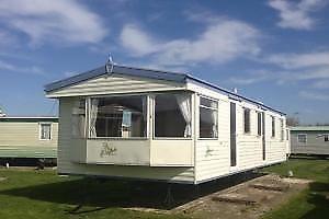PARK HOLIDAYS private hire 6-berth static caravan nr Clacton, Essex near beach