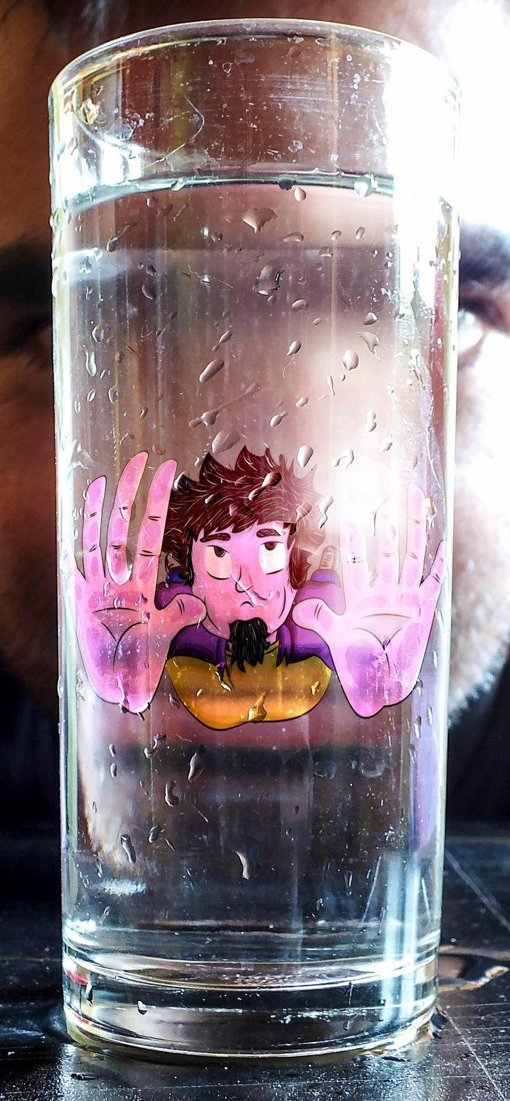 """Fotomontaje utilizando una ilustración, representando la frase """"Ahogándome en un vaso de agua"""""""