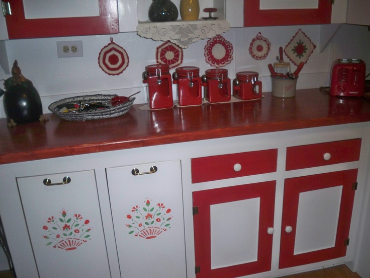 My red and white kitchen is done.  Love it!