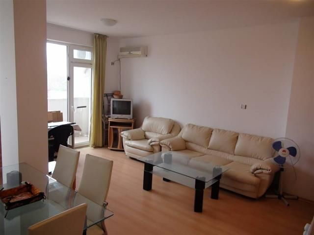 Двухкомнатная квартира в комплексе Сани Дей 4, курорт Солнечный берег Общая площадь: 51 кв.м Цена: 18995 евро