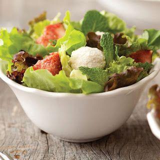 COMIDINHAS       FÁCEIS: Salada com figo e bolinha de ricota