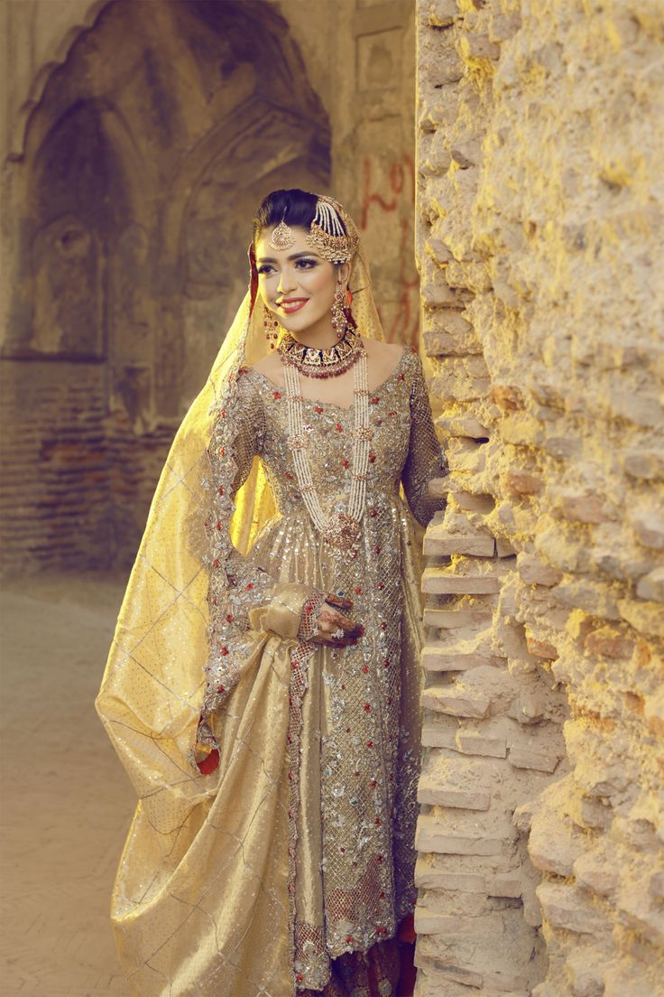 Lailomah Shah in an exquisite bridal ensemble by Deena Rahman.