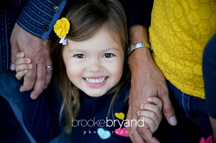 Brooke Bryand Photography | San Francisco Family Photographer | Bay Area | China Beach | Family Portraits | Big Sister with Twins |