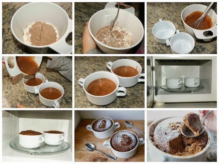 Había visto muchas imágenes de mug cakes y me parecía raro esto de hacer un bizcocho al microondas. Fue cuando mi amigo Juanan del blog Cuuking! subió un video a su canal YouTube (aquí está la receta que me cautivó) , que decidí verlo. Fue tal mi sorpresa que no pude...