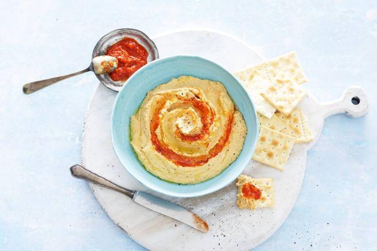 Hummus is van zichzelf al lekker, maar met een beetje meer pit wordt-ie alleen nog maar beter - Recept - Allerhande
